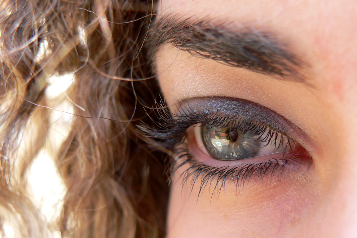 5 Applying Fake Eyelashes Tips For First Timers