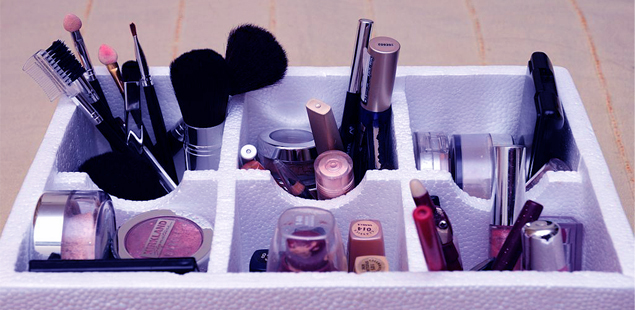Essentials in Makeup Kit