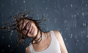 6 Hair Care Tips for Humid Weather You Should Not Miss