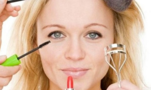 Look Gorgeous with Simple Makeup Tips and Tricks