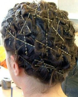 Curl Hair Using Pins